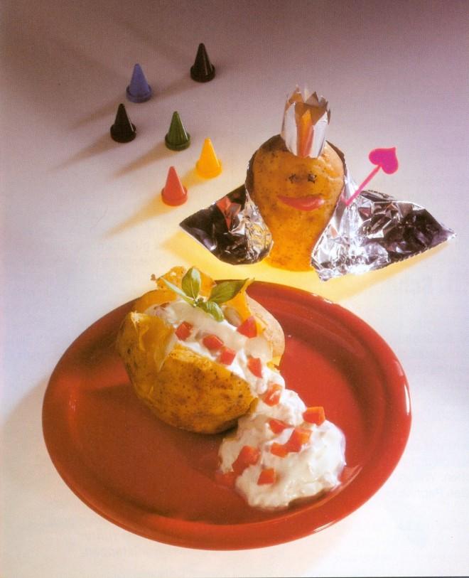 """Phantasievoll: """"Rezepte für die Kleinen"""" von 1995. Ingrid Bednarsky regt in ihren lustigen Kreationen zu neuen Ideen an."""
